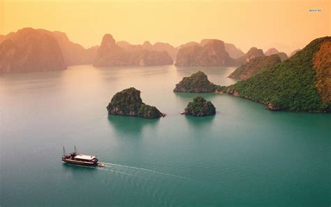 4 Most Beautiful Bays in Vietnam for a Luxury Tour to